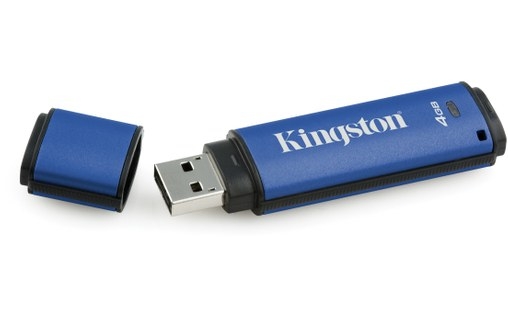 Aperçu 2: Kingston Technology DataTraveler Vault Privacy 3.0 4GB 4Go USB 3.0 Bleu lecteur